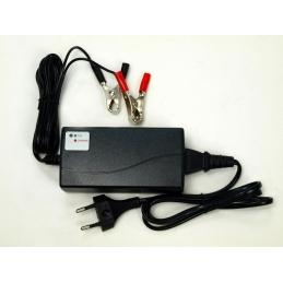 Nabíječka všech typů 12V baterií (7 - 14 Ah) s LED ukazatelem